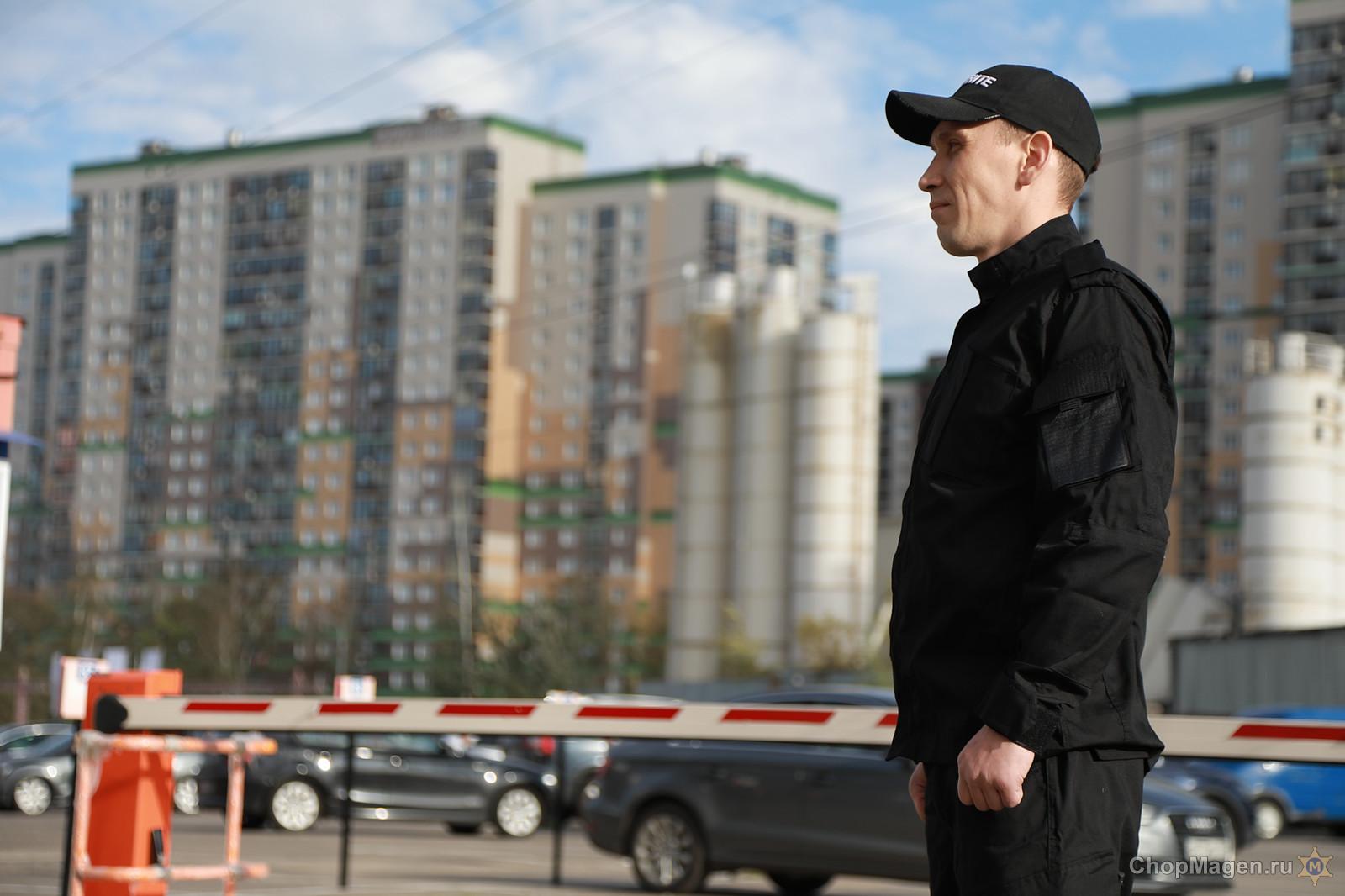 В Симферополе сотрудники ЧОПа создали незаконную автостоянку