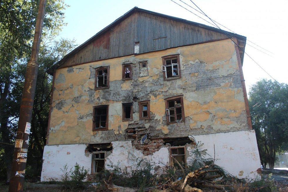 Предназначенные к сносу дома в Тюмени будут охранять сотрудники ЧОП