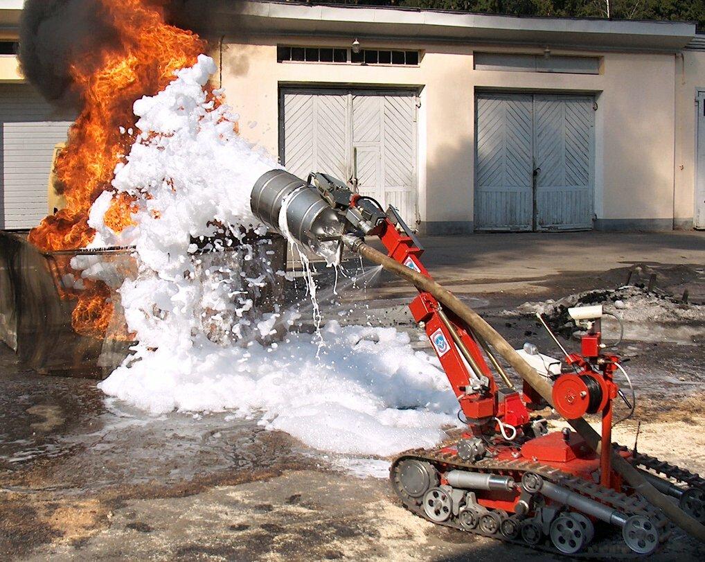 В России провели испытания первого противопожарного робота